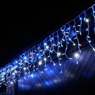 "Новогодняя гирлянда под названием ""Бахрома"""